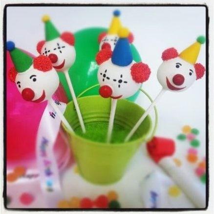 Clown cake pops  Cake by CreativeCakepops