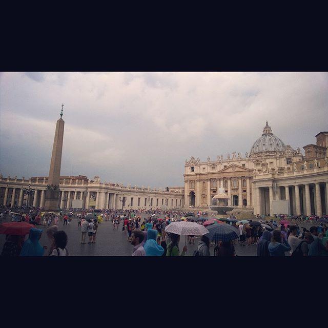 Очень давно хотелось побывать в Ватикане!) #Vatican #italy #paradise  #sky #rainy #day  #weather #endless #summer #freedom #forever #young #be #free #happy #south #love #Roma #history #basilica by vkus_ejeviki