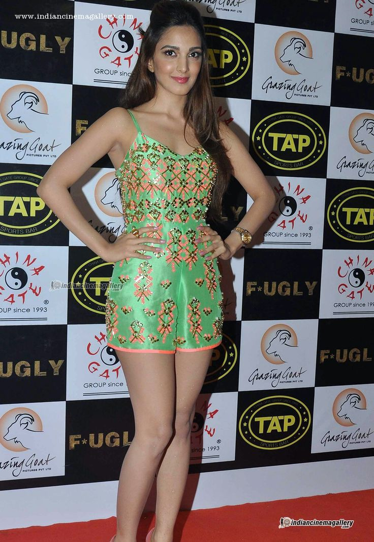 Kiara-Advani-during-tap-bar-launch-(5)