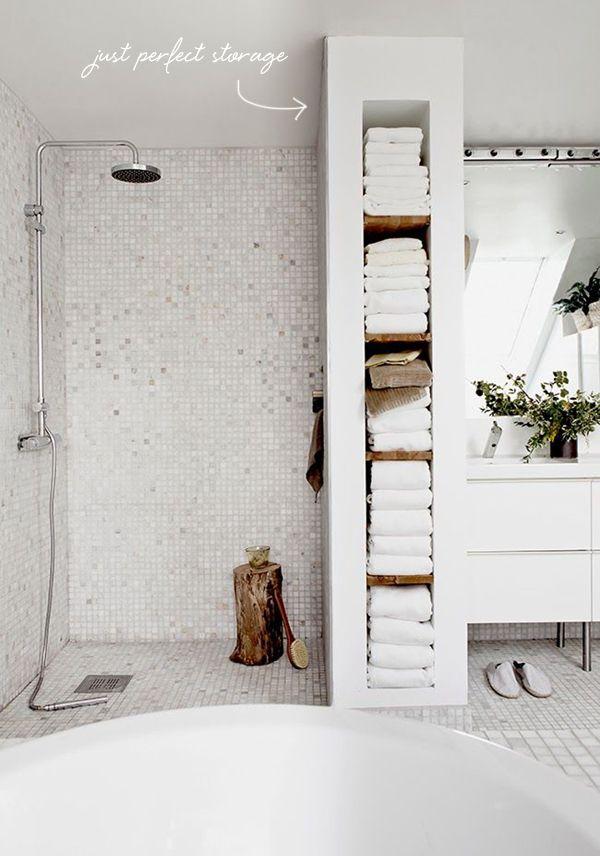 towel storage in the bathroom // in the details coco+kelley