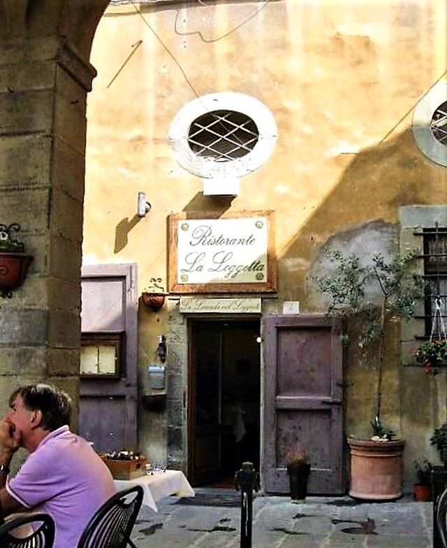 Ristorante in Cortona #tuscany  #visititaly #livelife #enjoy #travel  #melbournelifelovetravel #cortona #italy #visittuscany #toscana #instatravel #instagood #instamoments #ristorante #holiday #vacation #vibrant #beautiful #picturesque #thatview #throwback #afternoonstroll #mangia #instaeats #restaurant