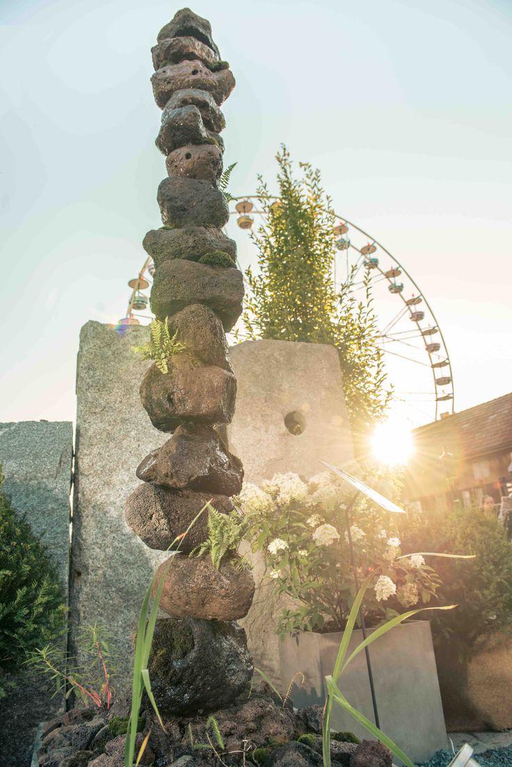 Nice Brunnen Aus Vulkantuff Material: Vulkantuff, Moose, Wasserpflanzen Farne.  Ein Lebendiger Wachsender Brunnen