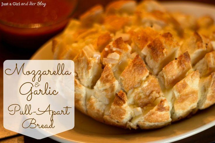 Mozzarella & Garlic Pull-Apart Bread {Recipe}
