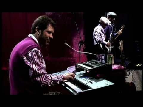 Ed Motta live - Fora Da Lei