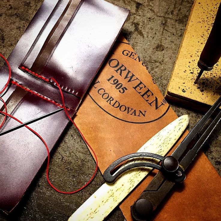 Making an handsewn genuine shell cordovan wallet double colors burgundy whiskey horween chicago cordovan http://ift.tt/1gcdIV4 handmade in Italy #fattoamano #shellcordovanwallet #shellcordovan #shellcordovanbifold #cordovanshell