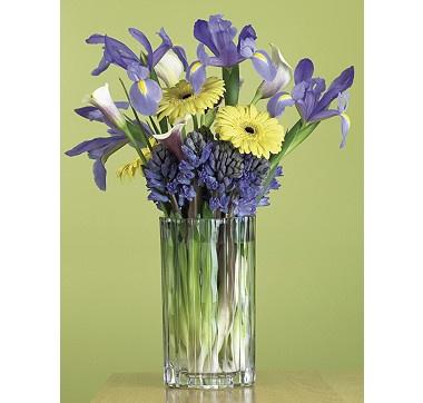 Beautiful flowers to match a stunning vase. #ilovetoshop