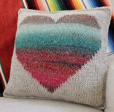 Fuente: http://ysk347.tumblr.com/post/49467356478/makinology-have-a-watercolor-heart-pillow