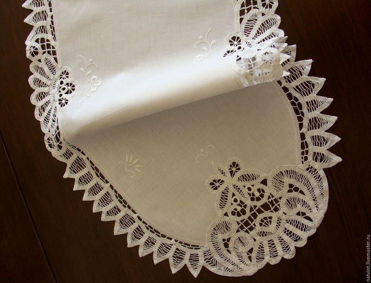 """Купить Винтажная белая дорожка баттенбергского кружева """"Бабочки"""" - белый, дорожка на стол, кружевная дорожка"""