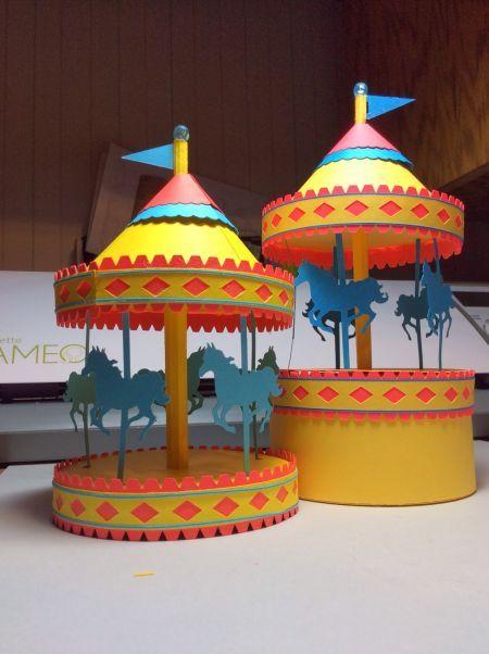 Carrossel de papel para montar é fácil de ser feito (Foto: papercraftetc.blogspot.com.br)