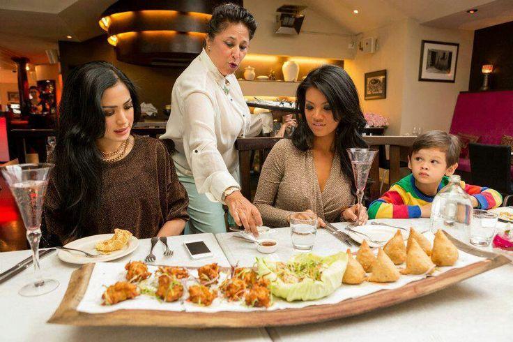 """Sang tuan rumah Shammi menyuguhkan kami menu yang merupakan paduan khas dari Indian Kashmir dengan bahan makanan dari New Zealand yang terkenal sangat berkualitas dan segar, aku sampai tidak bisa berhenti makan"" - Farah Quinn mengenai Mantra.  Setelah makan malam, Farahpun kembali ke Millbrook Resort and Spa yang berada di pegunungan dengan pemandangan yang luar biasa.  #Luxury #Explore #NewZealand"