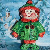 Ватные ёлочные игрушки ручной работы, единственный экземпляр. Новогодние игрушки подарят незабываемые детские воспоминания и послужит прекрасным украшением ёлки.  Стоимость игрушки-150 грн Подробнее http://www.livemaster.ru/item/8571671-podarki-k-prazdnikam-sasha-masha