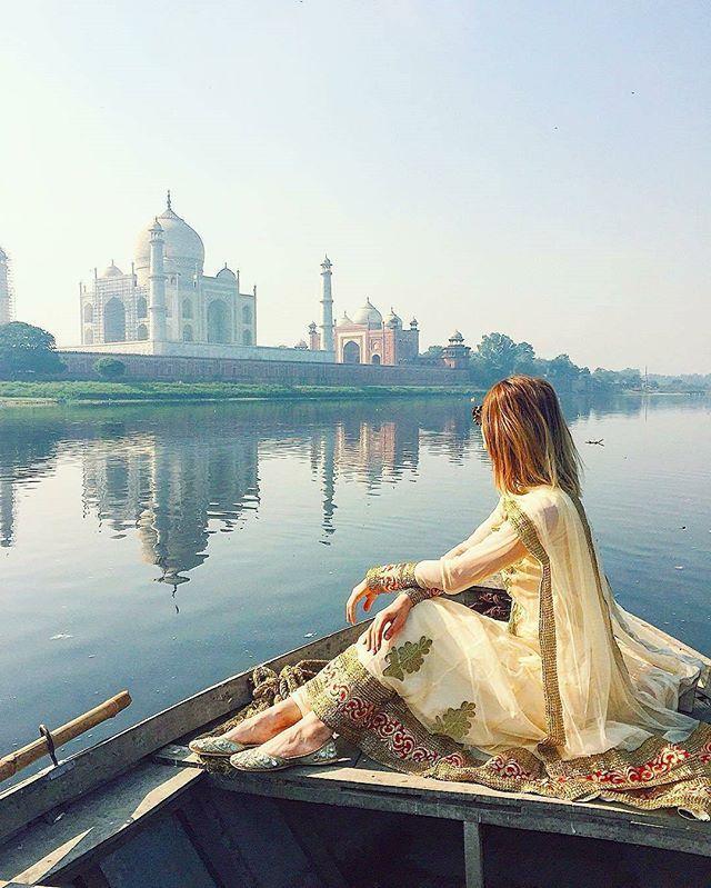 Reposting @stories.of.up: PC ::: @zorymory - . . Taj Mahal . . #storiesofup . . ——————————————————— #photography #streetphotography #instagram  #allahabad #varanasi #lucknow #kanpur #agra #uttarpradesh #india  #travelingram #discoverindia #beautifulindia #incredibleindia #travelindia #indiatourism  #travel #tajmahal #indianphotographers #maibhisadakshap #rajasthan #gujarat#delhi #madhyapradesh #natgeotravel #landscape #architecture  #culture ———————————————————