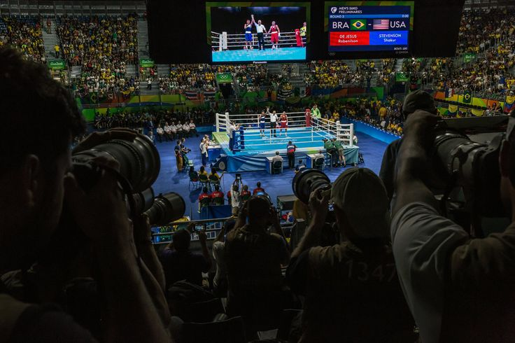 Shakur Stevenson of the United States won in a unanimous decision over Robenílson de Jesus of Brazil in the bantamweight boxing preliminaries.  Mauricio Lima for The New York Times