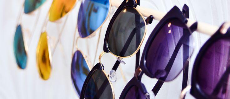 Ett smart och enkelt sätt att organisera dina solglasögon är att hänga dem på en galge. Låt galgen hänga på en krok på väggen för mer personlighet i rummet eller göm undan solisarna i garderoben. Mina favoritsolglasögon hänger just nu prydligt uppradade på en galge i hallen. Så snart jag får lite tid över ska …