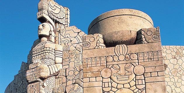 Monumento a la Patria en el Paseo Montejo.  20 cosas que hacer en Mérida, Yucatán | México Desconocido