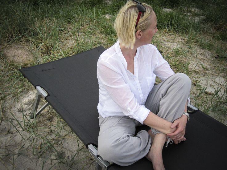 Relaxing at the beach – Isabella Foldning bed