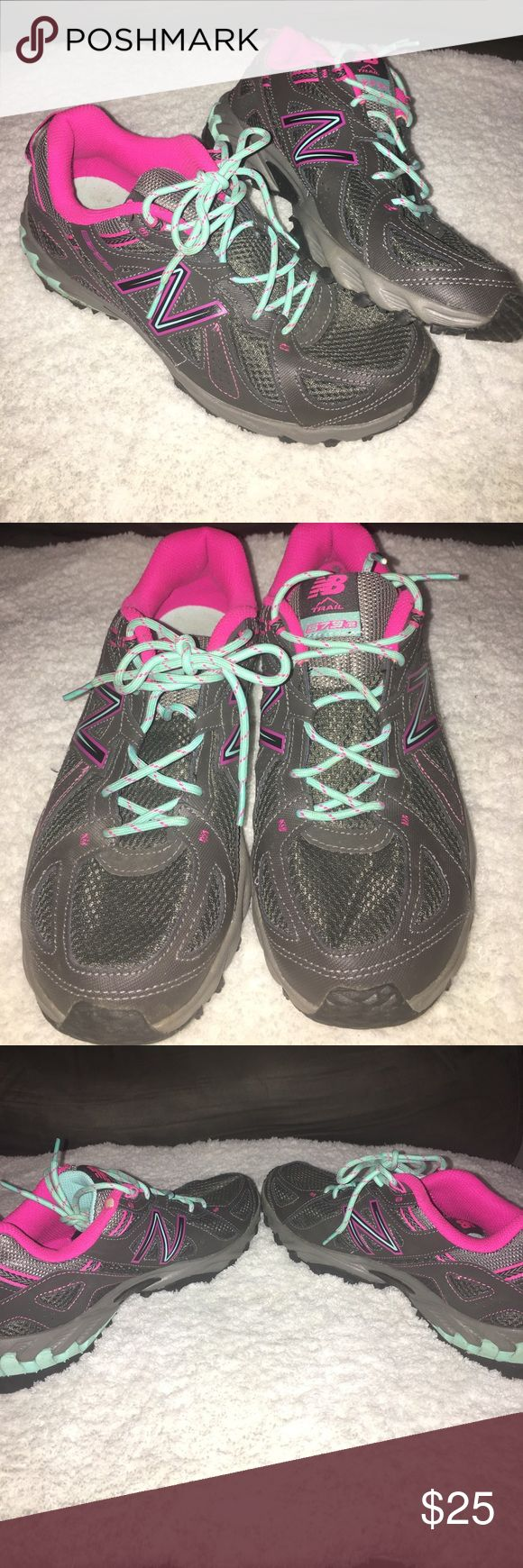 New balance trail sz 10 shoes New balance trail sz 10 shoes has some wear and some dirt but has a minor rear shown on rim of shoe New Balance Shoes Athletic Shoes