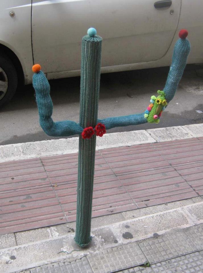 Yarn bomb, Guerrilla Knitting. Bari