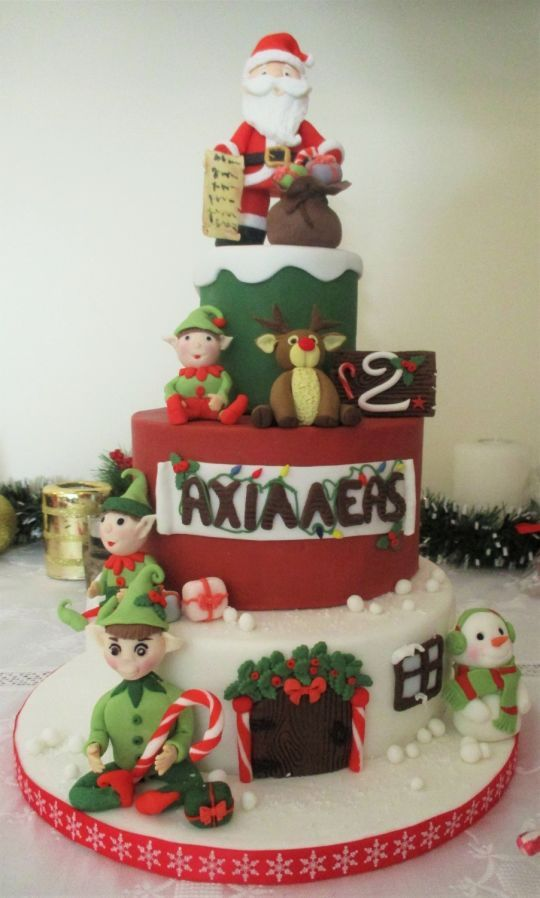 603 best christmas cakes images on Pinterest Christmas cakes