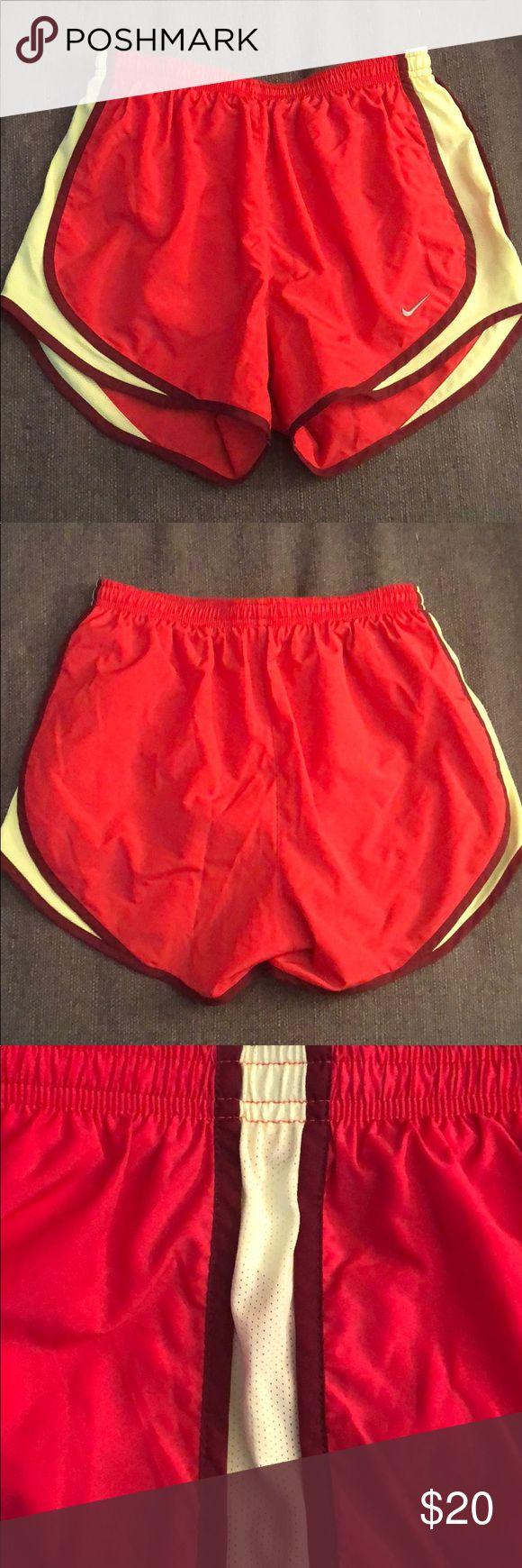 Nike Shorts Klassische Nike Laufshorts – in gutem Zustand Nike Shorts   – My Posh Picks