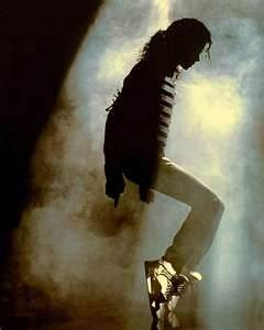 Michael Jackson dance move