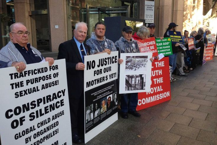 Supporters of those sexually abused outside the Royal Commission in Perth - ABC News (Australian Broadcasting Corporation)