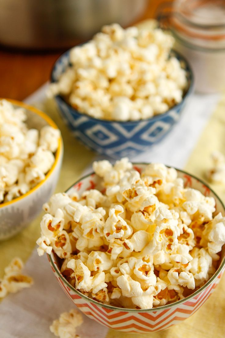 Homemade Popcorn -- two tricks for making the BEST homemade popcorn ever on your stovetop at home! I'm talking better than movie theater popcorn, perfect for a family movie night... | via @unsophisticook on unsophisticook.com
