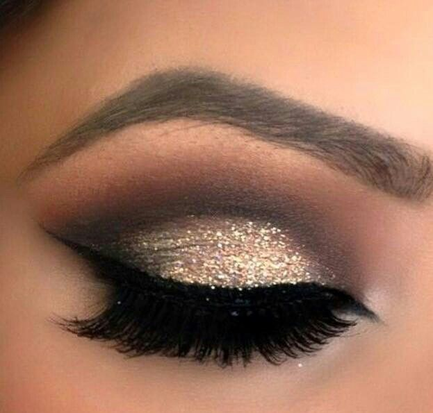 Gold make up hooded eye                                                                                                                                                      More