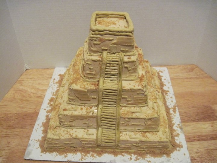 It Would Be Hard To Quot Ruin Quot This Aztec Temple Cake You Don