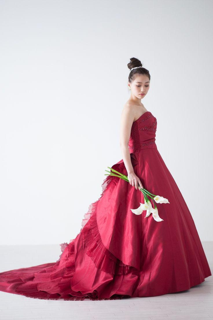 シックな赤のカラードレス
