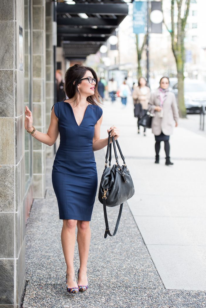 LOVE this navy dress!!! I want one!   2015-03-26 Jillian Harris Robson St-009