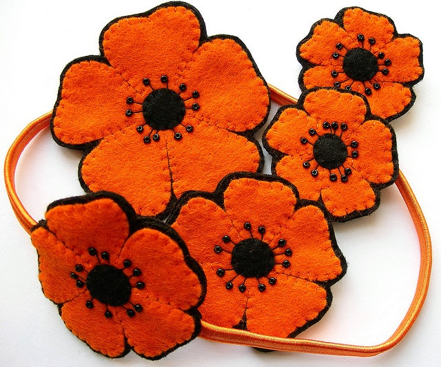 Felt poppies by bugsandfishes on flickr