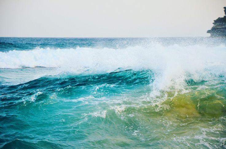 Waves  (c) Assi Pulkkinen