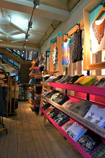 // urban outfitters // visual merchandising // display