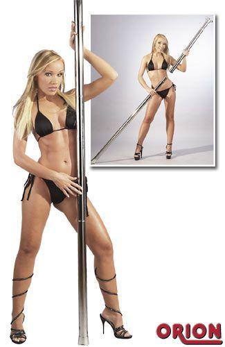 Strippaustanko. Tämä strippaustanko on kromipäällysteinen, korkeus säädettävissä. Strippaustanko kiinnitetään katon ja lattian väliin(jousimekanismi joten ei porausta eikä ruuveja). Max korkeus n. 2,50m. Mukana asennusohjeet.
