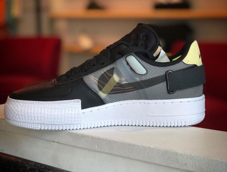 Nike Air Force 1 type basse noire jaune et rose (2019) | Chaussure ...