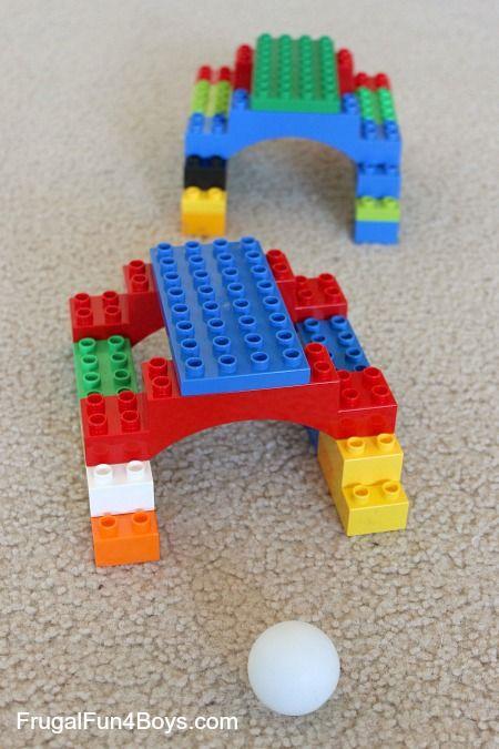 Hier siehst du eine Spielidee aus LEGO® Duplo, die uns von BRICKaddict.de gefällt: Ein Minigolf Spiel aus LEGO® Duplo.