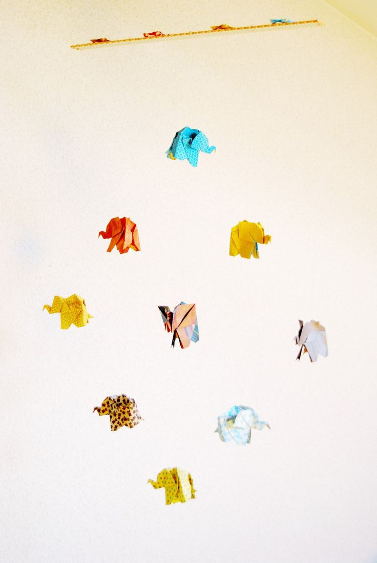 Mobile Origami Eléphants Indiens : Décoration pour enfants par petitspapierscelestes