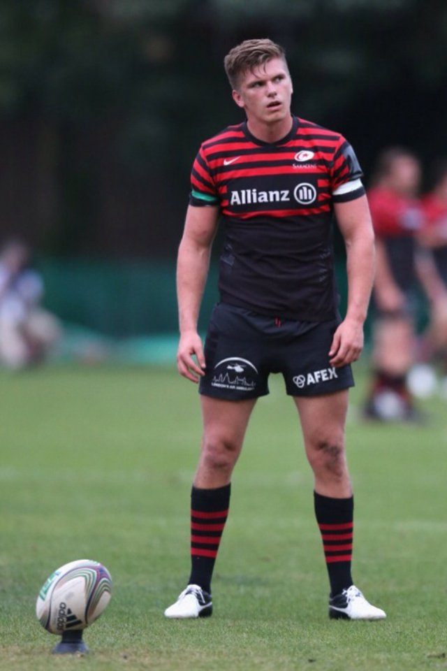 Owen playing for Saracens<3