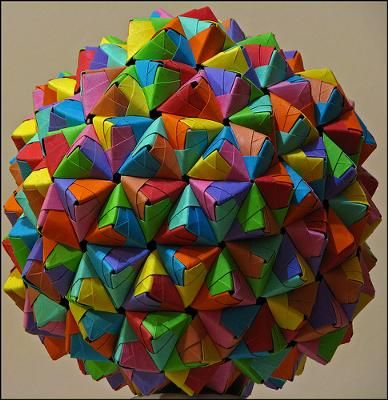 Epcot Ball: I am twelve years old, and last year I got interested in modular origami. I learned how to make sonobe units, and now I made an epcot ball! That is 270