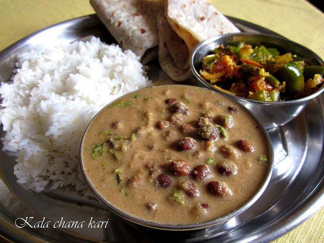 Kala chana kari / Kari z hnedeho ciceru s cerstvym kokosom