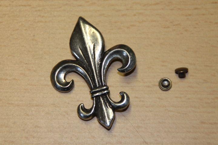 Metallknöpfe - Zierniete französische Lilie silber groß - ein Designerstück von Ha-Fi bei DaWanda