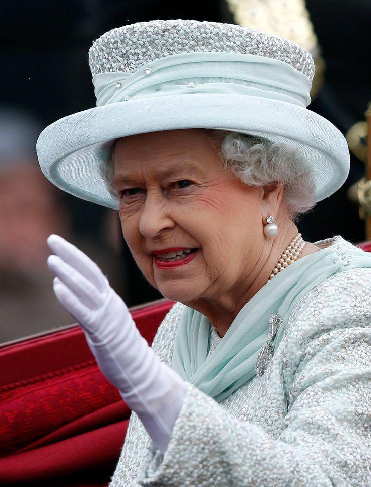 majesty queen elizabeth ii - 736×967