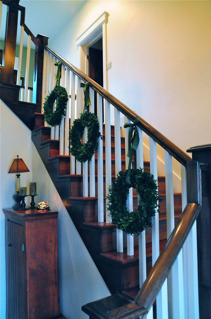 177 Best Christmas Stairs Images On Pinterest Christmas