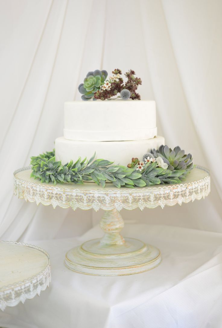 wedding cake pedestal ideas 25 best ideas about metal cake stand on 23402