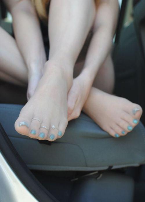 Understand Nail polish pantyhose not very