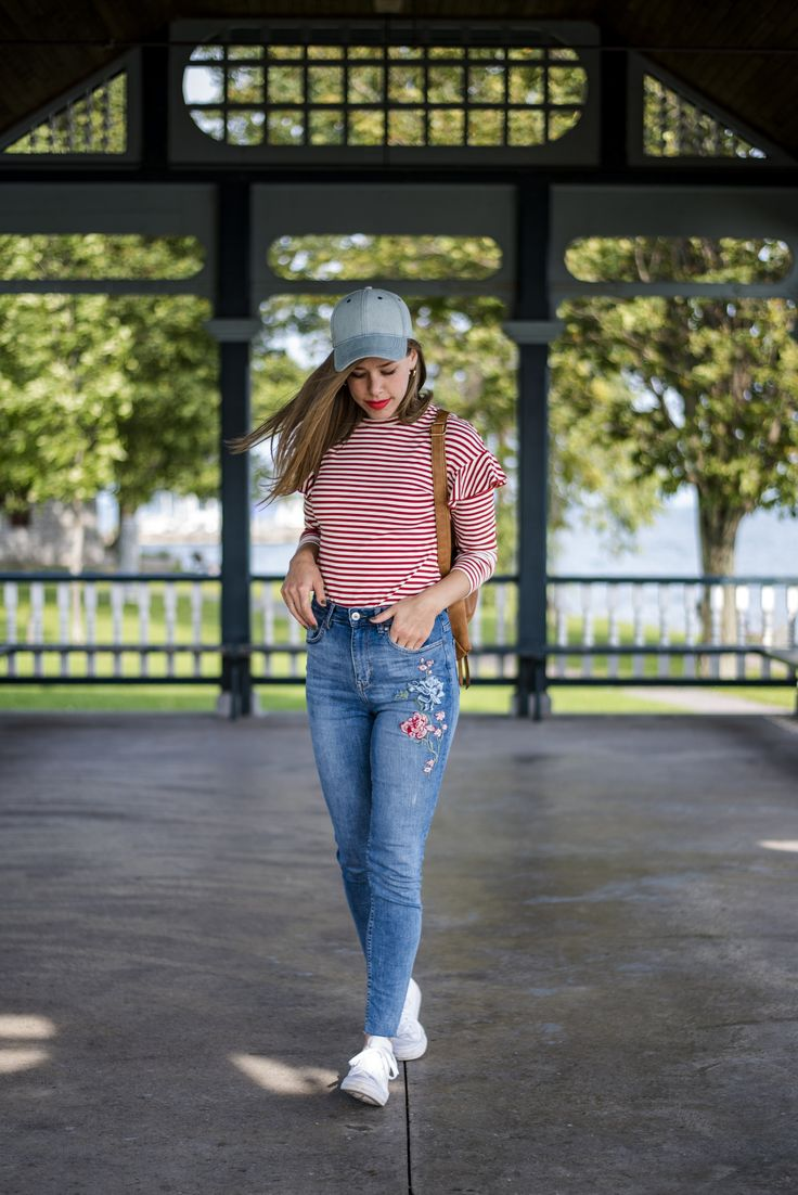 Fall 2017 Fashion Trends: Embroidered Jeans & Flutter Sleeves