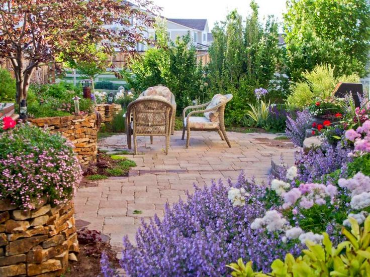 17 best images about retaining wall planting on pinterest for Retaining wall plants landscaping