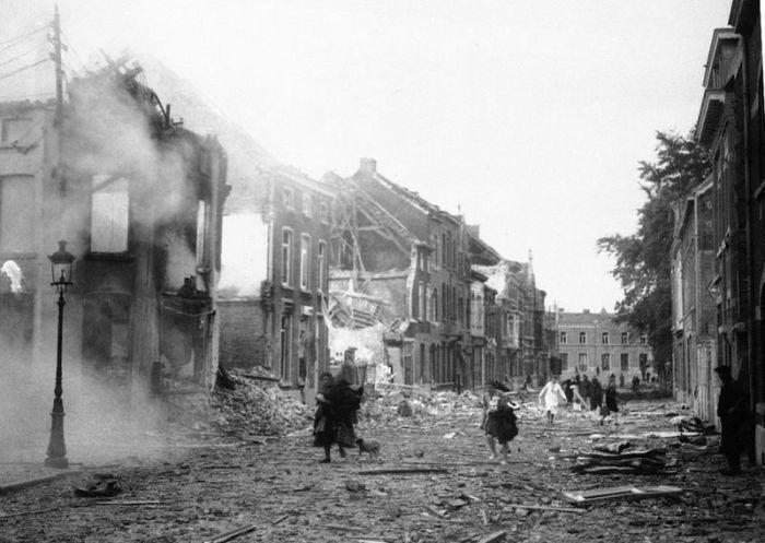 #интересное  Уроки истории Второй мировой войны в бельгийских школах (2 фото)   Далее рассказ пойдет о том, как учат бельгийских школьников истории Второй мировой войны. Чтобы информация лучше усваивалась, создаются все условия для того, чтобы дети почувствовал�