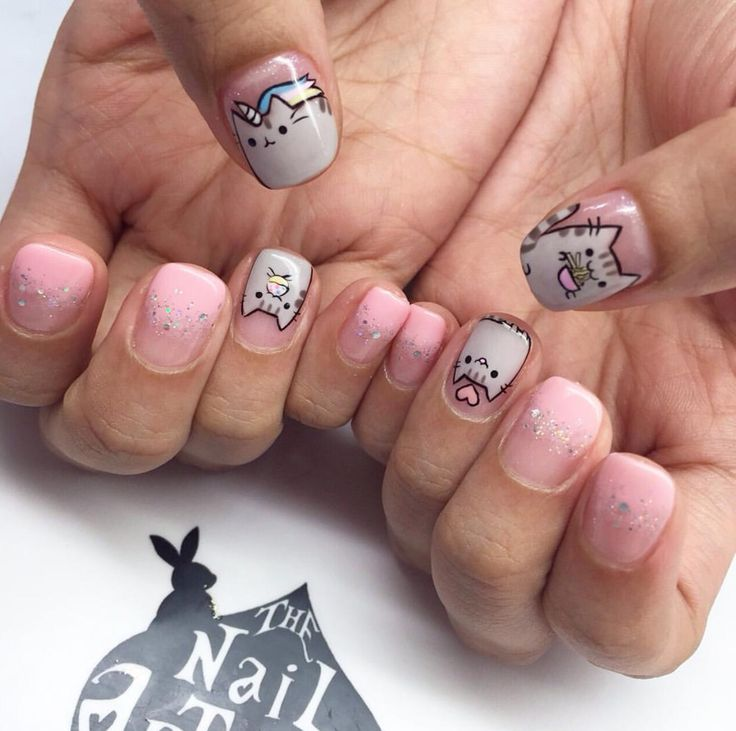 Pusheen nail art